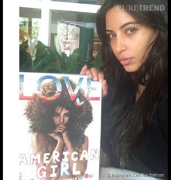 Kim Kardashian poste un nouveau selfie sans maquillage. Ouh la jolie moue boudeuse !