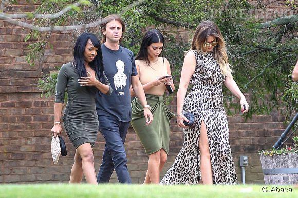 Kim Kardashian et sa famille à New York. Les caméras ne sont pas bien loin, évidemment.