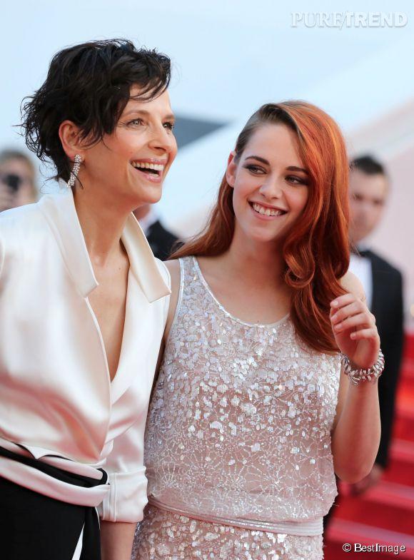 """Juliette Binoche n'a pas hésité à se mettre nue dans un lac avec Kristen Stewart pour une scène du film """"Sils Maria"""". Problème : des paparazzis ont photographié l'actrice dans le plus simple appareil..."""