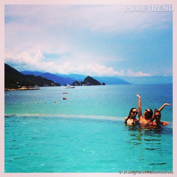 Lea Michele prend du bon temps à Mexico avec des copines.