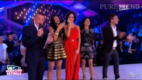 """Les quatre finalistes lors du prime de """"Secret Story 8"""" aux côté du présentateur, Benjamin Castaldi, sur  TF1  ce vendredi 26 septembre 2014."""