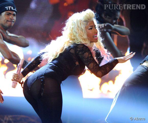 Nicki Minaj, son fessier XXL : elle l'assume ! La preuve en 30 tenues improbables de la maîtresse de cérémonie des MTV EMA.