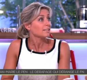 """Anne-Sophie Lapix face à Florian Philippot dans """"C à Vous""""."""