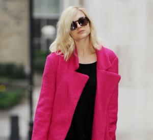 Fearne Cotton s'évite l'étape make up en s'affichant avec une paire de lunettes de soleil.