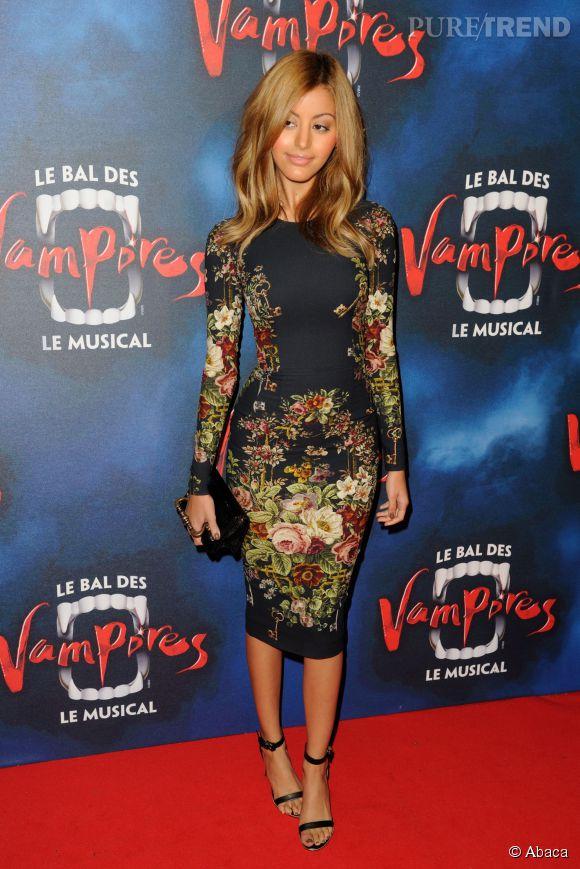 """Zahia Dehar à la première de la comédie musicale """"Le Bal des Vampires"""" au Théâtre Mogador à Paris le 16 octobre 2014."""