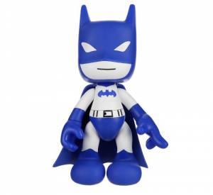 """Figurine """"Batman"""" d'Artoyz et Leblon-Delienne chez colette. 75 euros."""