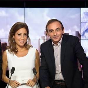 """Léa Salamé entourée de Nicolas Domenach et d'Eric Zemmour lorsqu'elle était encore dans """"Ça se dispute"""" sur i>Télé."""