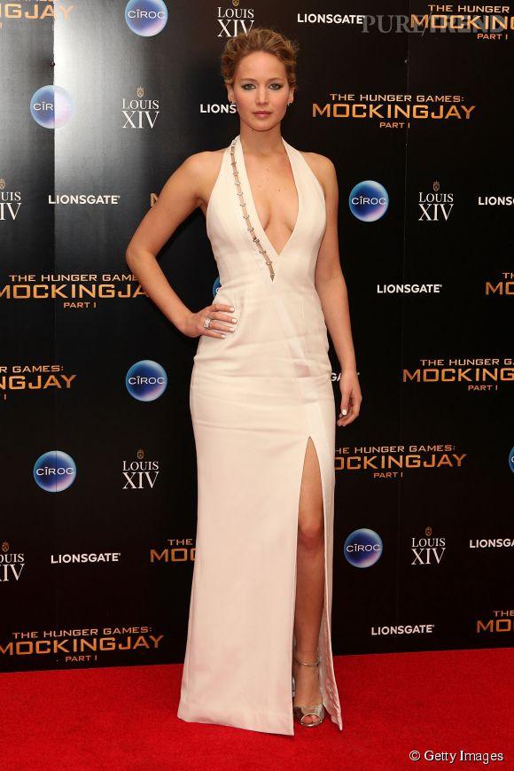A l'after-party, Jennifer Lawrence a opté pour une tenue nettement plus sexy. Alerte décolleté !