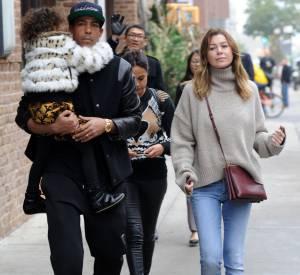 Ellen pompeo, casual en famille avec son ami Chris et sa fille, Stella dans les rues de New York.