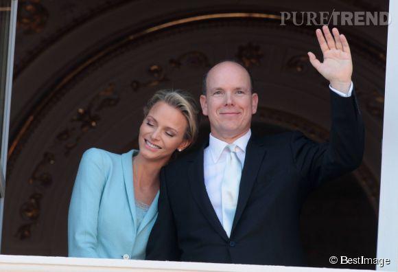 La princesse Charlène et le prince Albert de Monaco, comblés depuis l'arrivée de Jacques et Gabriella le 10 décembre 2014.