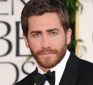 Jake Gyllenhaal rend la barbe attractive.