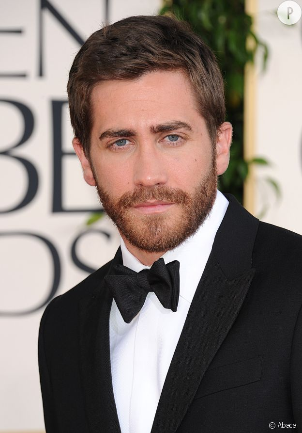 Jake Gyllenhaal rend la barbe attractive.