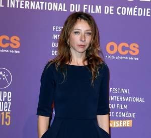 Sylvie Testud, chic et féminine sur le tapis rouge du Festival du Film de l'Alpe d'Huez.