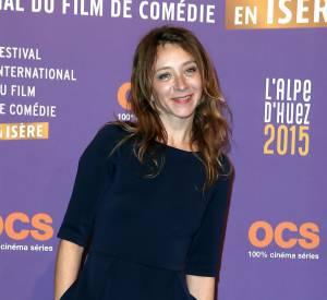 Sylvie Testud, jolie poupée dans une robe bleu nuit au Festival du Film de l'Alpe d'Huez.