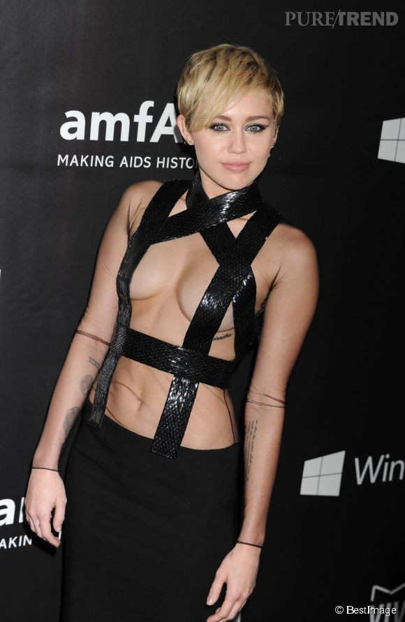 Miley Cyrus, jalouse de Kim K en couverture de Love Magazine avec Cara Delevingne, elle décide de se mettre à sa place sur un montage posté sur Instagram.