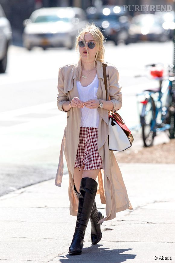 Jupette girly en vichy rouge mais cuissardes sexy. Le double jeu de Dakota Fanning.