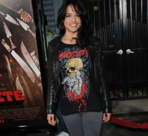 Exit l'allure très masculine, Michelle Rodriguez mise aujourd'hui sur le glamour et le sexy.