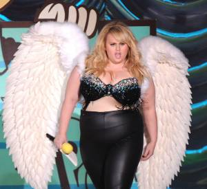 Flop : Rebel Wilson l'ange de latex aux MTV Movie Awards 2015. Pour sa défense, elle assure le show.