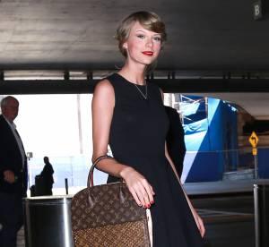 Taylor Swift : La petite robe noire pour voyager... A shopper !