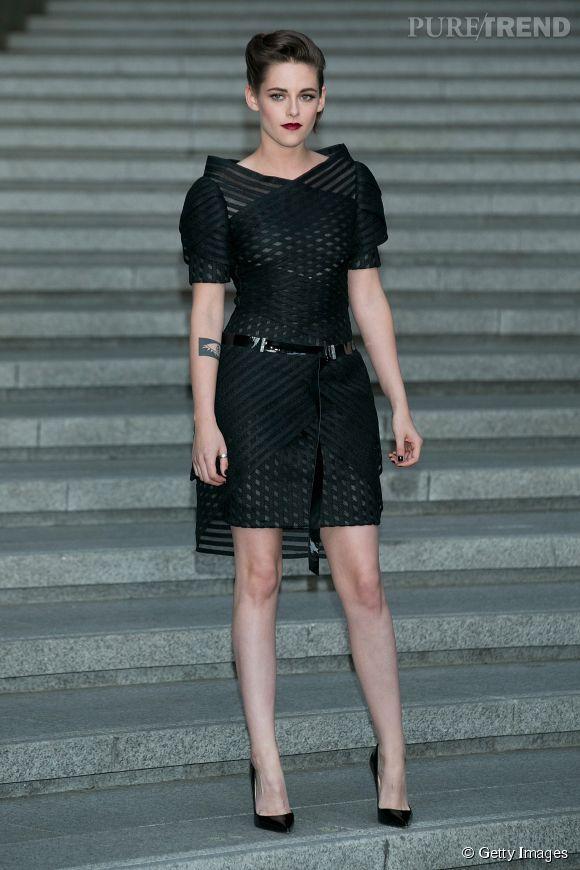 Kristen Stewart, audacieuse et terriblement élégante pour la présentation de la collection Cruise 2015/16.