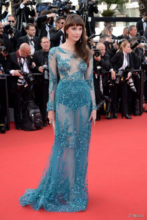 Frédérique Bel porte une robe Zuhair Murad transparente.