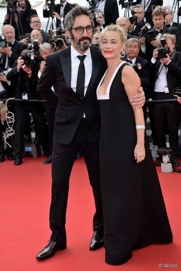 Emmanuelle Béart parée par Chopard, sobre et élégante chaussée par Giueseppe Zanotti.