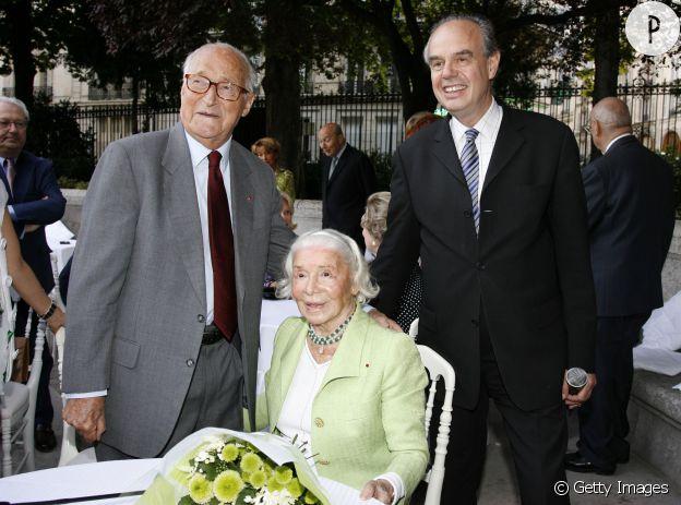 Frédéric Mitterrand et Madame Carven lors de ses 100 ans, en 2009.