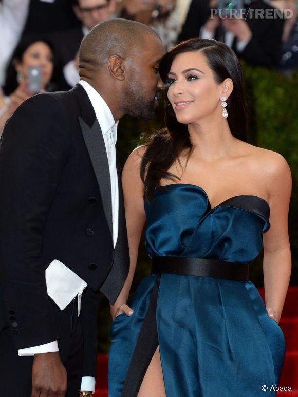 Il suffit à Kanye de susurrer des mots doux l'oreille de Kim pour que celle-ci lui offre ce qu'il veut.