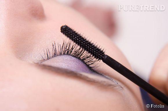 La brosse à mascara peut servir à autre chose qu'à étirer les cils.