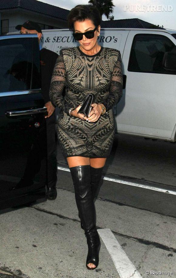 Kris Jenner est aussi accro aux robes courtes et moulantes.