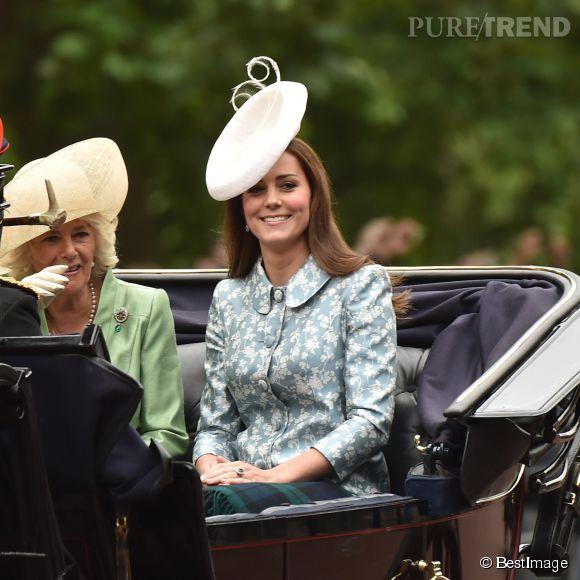 Kate Middleton, sublime pour sa première sortie officielle après son accouchement