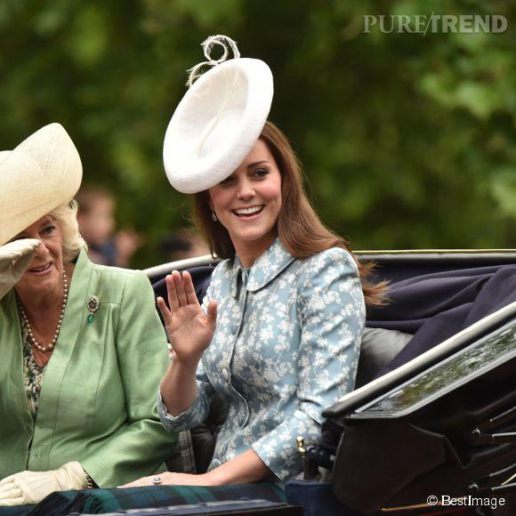 Kate Middleton en compagnie de Camilla Parker Bowles pour la parade Trooping the Colour