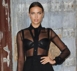 Irina Shayk : robe transparente et soutien-gorge en cuir, elle envoûte New York