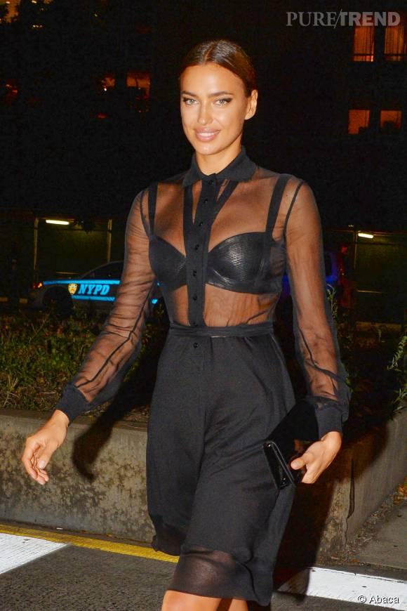 Le soutien-gorge en cuir d'Irina Shayk a attiré tous les regards.