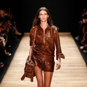 Total look cuir pour un rendu complètement fantastique.