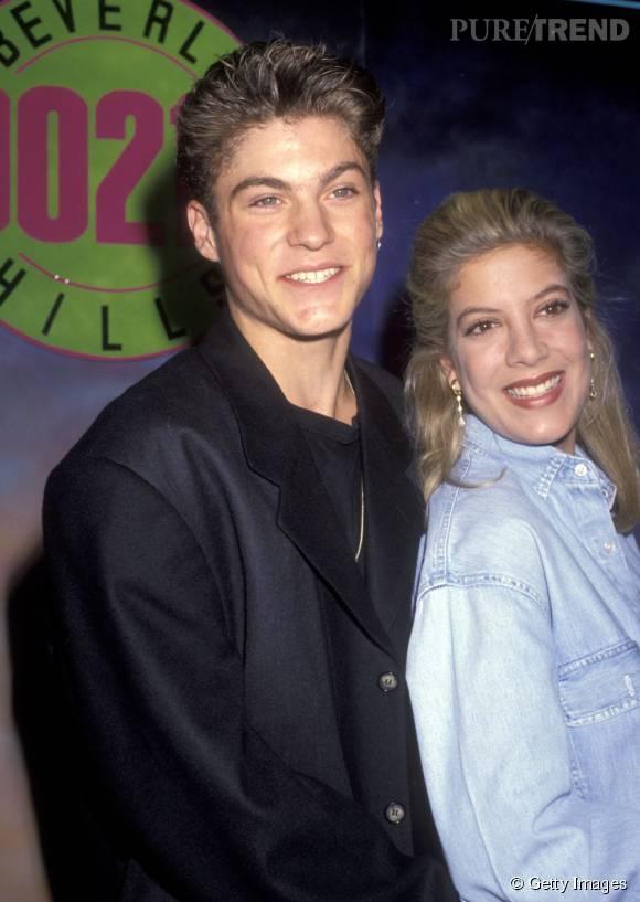 Comme son personnage Donna Martin, la jeune femme a succombé au charme de l'acteur Brian Austin Green qui incarnait David Silver.