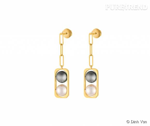 Boucles d'oreilles dinh van en or jaune,perles d'Akoya et de Tahiti.   2 900 euros.