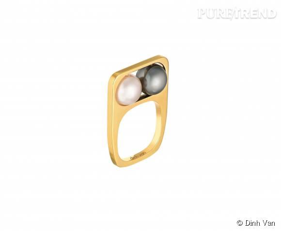Bague dinh van en or jaune,perles d'Akoya et de Tahiti. 2 400 euros.