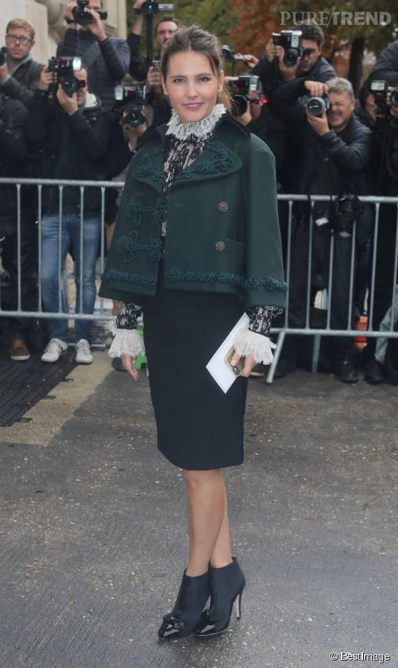 Virginie Ledoyen a opté pour une veste en drap de laine issue de la collection Chanel métiers d'arts Paris-Salzburg 2014-2015.