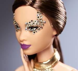 Barbie recouverte de strass par Pat McGrath.