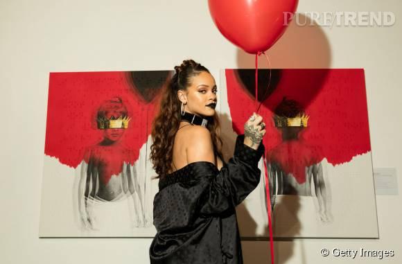 """Rihanna a dévoilé la pochette de son album """"Anti"""" lors d'une soirée privée dans une galerie d'art de Los Angeles le 7 octobre 2015."""