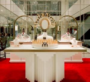 Christian Louboutin dévoile son espace unique dédié à la beauté au Printemps Haussmann.
