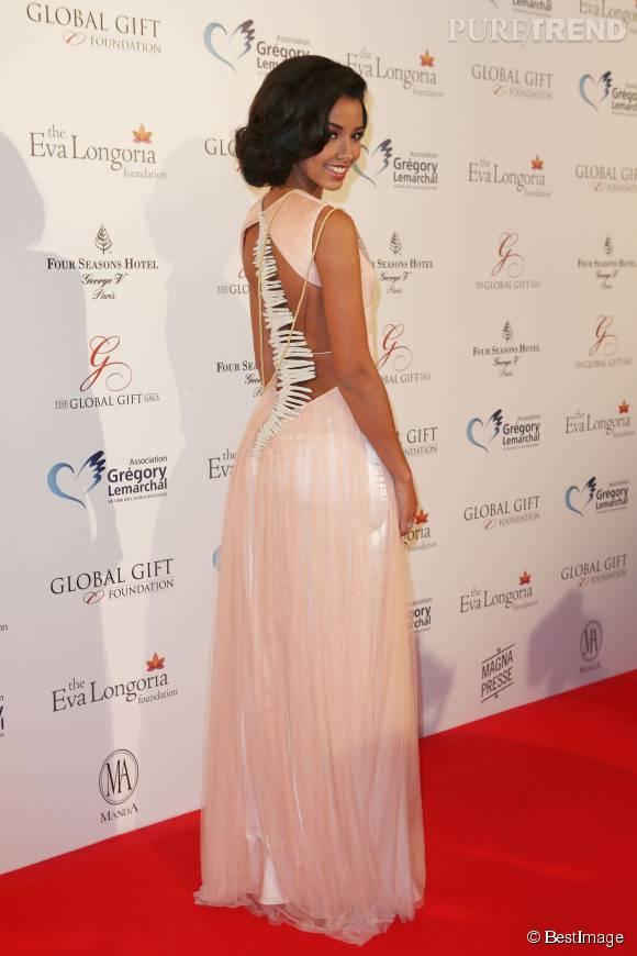 Flora Coquerel, ultra sexy dans une robe très moulante sur Instagram.