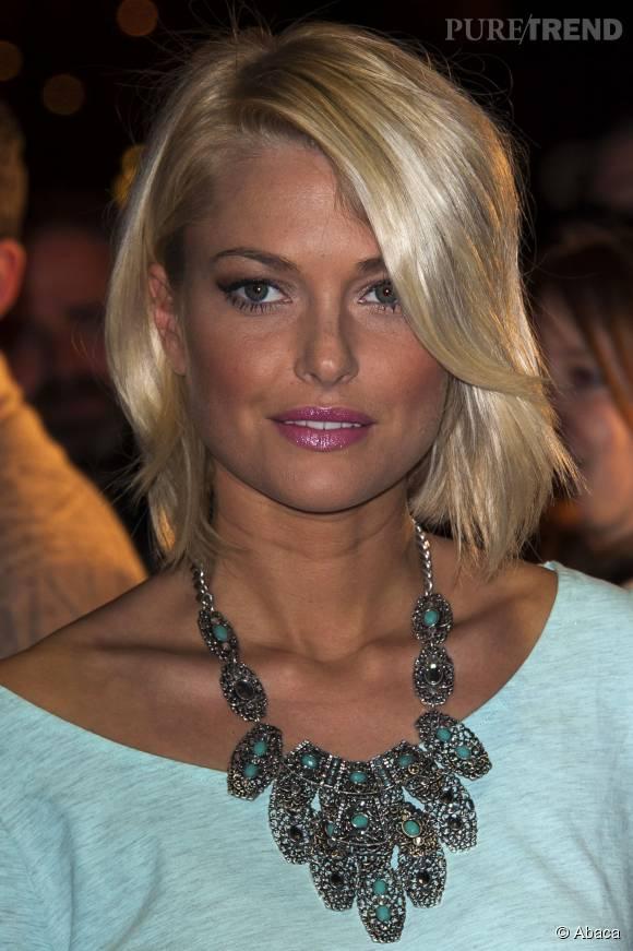 Caroline Receveur toujours plus glamour pour chacune de ses sorties.