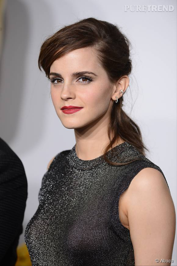 """Emma Watson s'exprime sur ce qu'elle pense du terme """"féministe blanche"""", dans lequel elle ne se retrouve pas."""