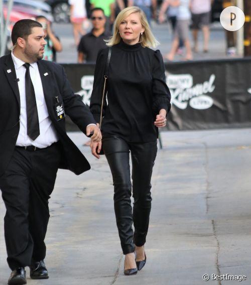 Kirsten Dunst se rend sur le plateau de Jimmy Kimmel ce lundi 12 octobre 2015.