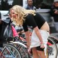 Katherine Heigl dévoile ses fesses en pleine rue !