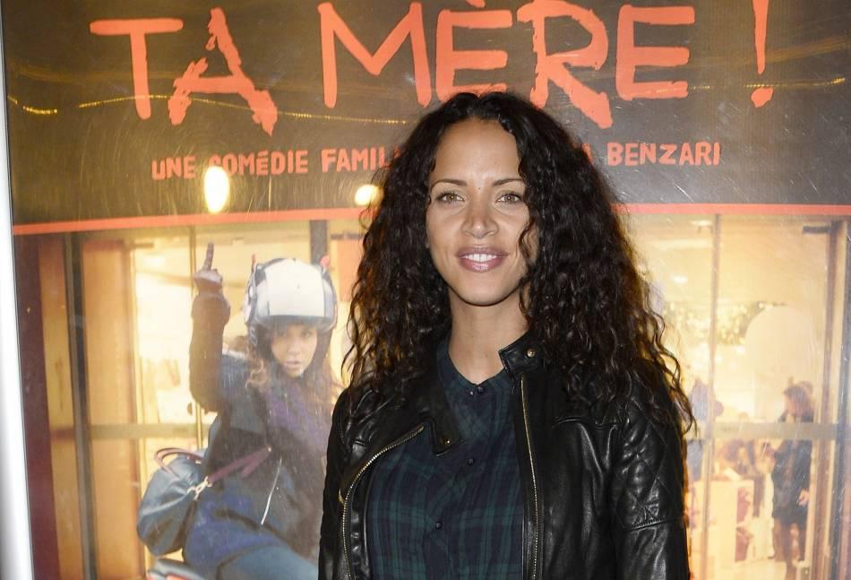 Noémie Lenoir affiche une mine radieuse.