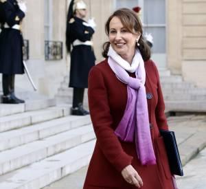 Ségolène Royal fait sensation lors du premier conseil des ministres à l'Elysée le 4 janvier 2016 à Paris.