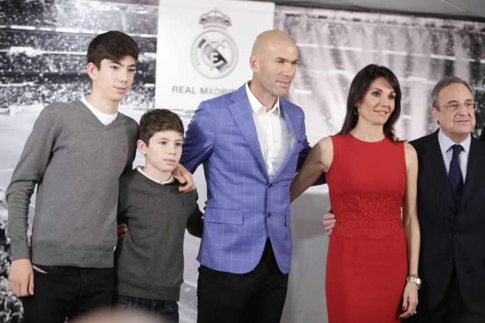 Zinedine Zidane et sa famille : aussi beaux que la famille Beckham.